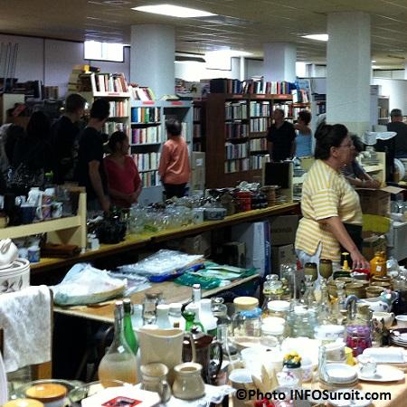 Bazar-bellerive-livres-vaisselles-bibelots-visiterus-Photo-INFOSuroit_com
