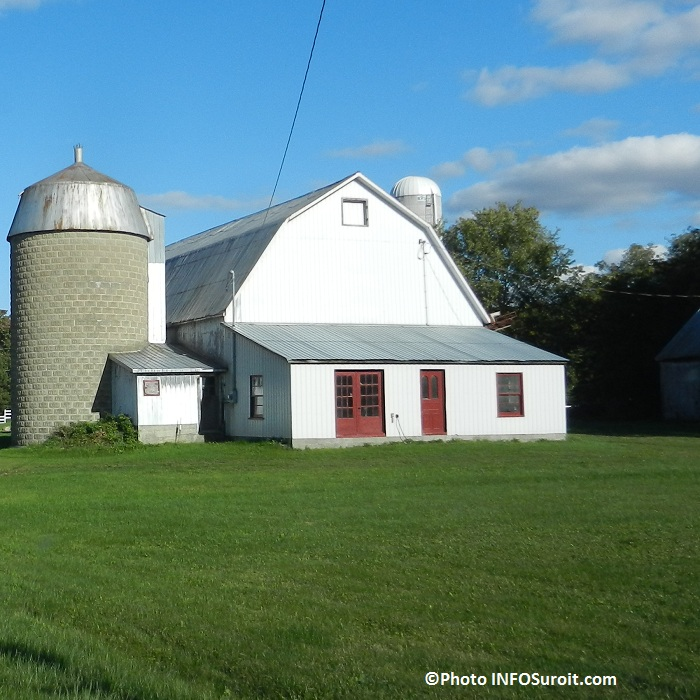 Ferme-grange-du-Suroit-rang-Sainte-Marie-a-Valleyfield-Photo-INFOSuroit_com