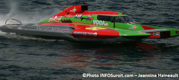 Regates-hydroplane-GP-57-Patrick_Haworth-pilote-de-Valleyfield-Photo-INFOSuroit_com-Jeannine_Haineault