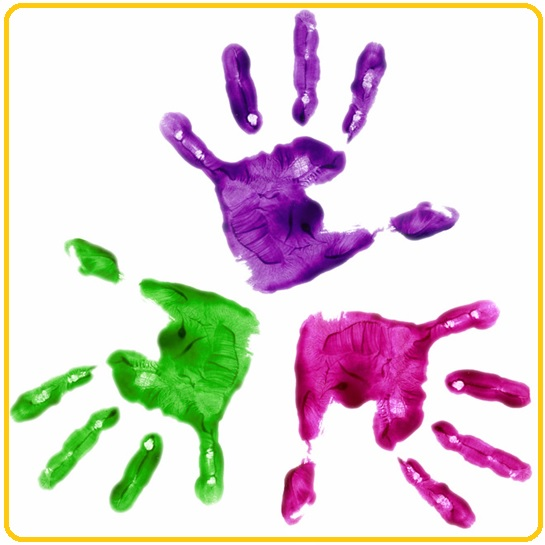 art-expression-peinture-mains-Image-CPA-publiee-par-INFOSuroit_com