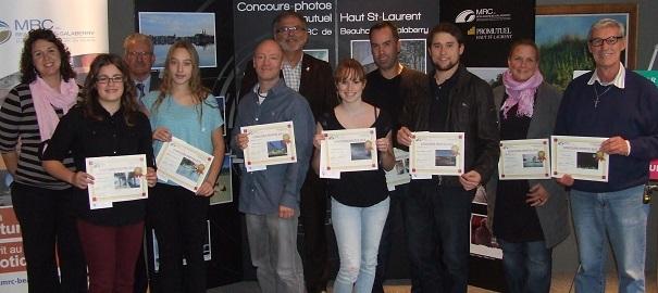 Concours-photos-Promutuel-MRC-BHS-les-gagnants-avec-Genevieve_St-Pierre-Roger_Daoust-et-Claude_Haineault