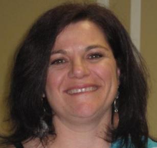 Julie_Frappier-presidente-comite-parents-CSVT-photo-courtoisie-publiee-par-INFOSuroit_com