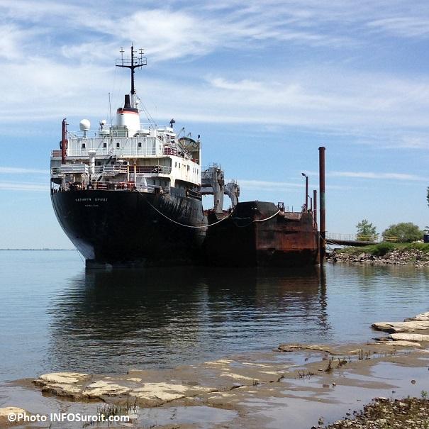 Katrhyn-Spirit-vieux-cargo-a-Beauharnois-lac-St-Louis-en-juin-2013-Photo-INFOSuroit_com