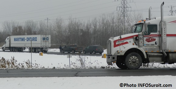 Controle-routier-Vehicules-lourds-camions-sur-Mgr-Langlois-Valleyfield-Photo-INFOSuroit_com