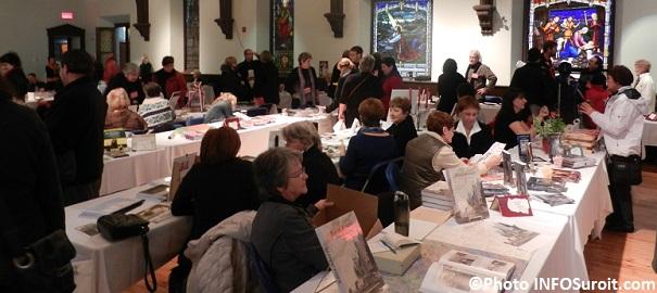 Espace-Livres-2013-au-MUSO-salon-du-livre-Des-auteurs-et-des-visiteurs-Photo-INFOSuroit_com