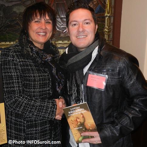 Louise-Lebrun-et-auteur-Alessandro_Cassa-Espace-Livres-au-MUSO-Valleyfield-Photo-INFOSuroit_com