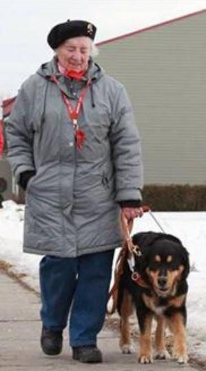 Odette_Lalonde-aveugle-et-chien-guide-Salaberry-de-Valleyfield-photo-courtoisie-publiee-par-INFOSuroit_com