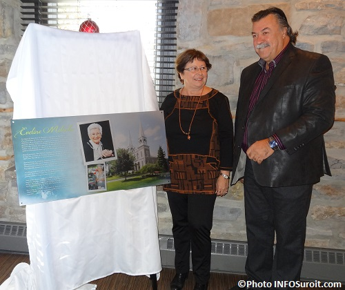 Plaque-commemorative-Eveline_Meloche-Claudette_Meloche-et-Yves_Daoust-photo-INFOSuroit_com
