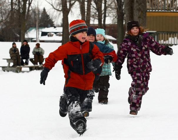 Enfants-hiver-plein-air-parc-des-iles-Photo-courtoisie-Ville-de-Valleyfield