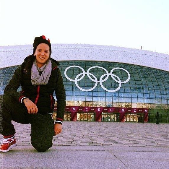 Hockey-feminin-Melodie-Daoust-aux-Jeux-olympiques-de-Sotchi-Photo-courtoisie-College-de-Valleyfield