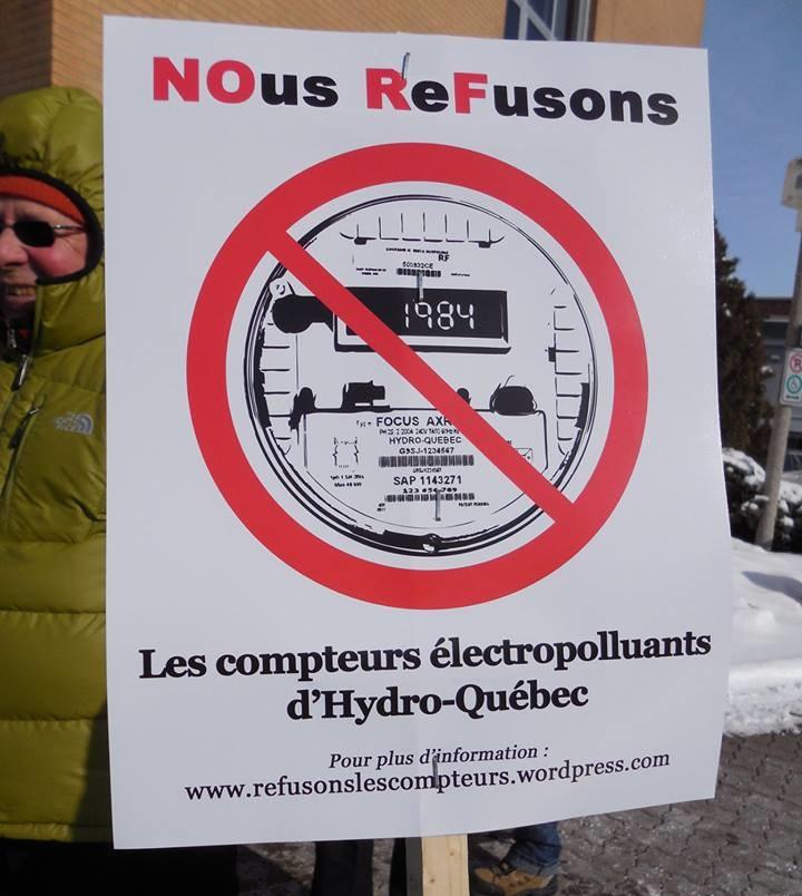 Refusons-les-compteurs-intelligents-Hydro_Quebec-manifestation-Valleyfield-photo-courtoisie-publiee-par-INFOSuroit_com