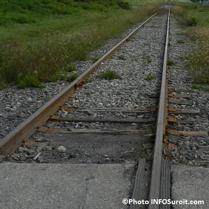 Train-chemin-de-fer-voie-ferree-liaison-ferroviaire-Photo-INFOSuroit