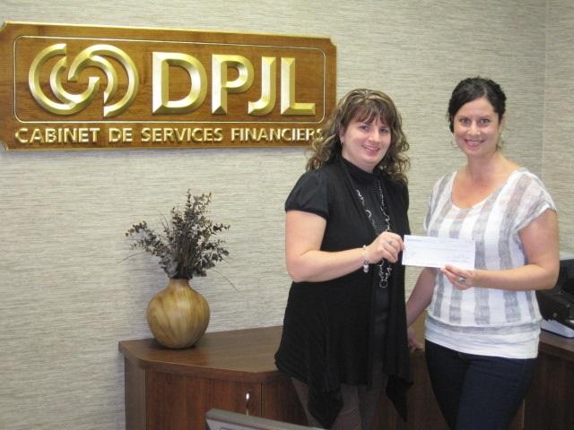 Don-du-Groupe-DPJL-a-la-FRAS-Sylvie_Pergallino-et-Ariane_Goyette-photo-courtoisie-publiee-par-INFOSuroit_com