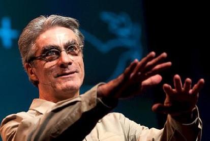 Marcheur-Jean-Beliveau-conference-au-MUSO-photo-TEDx_Waterloo-publiee-par-INFOSuroit_com