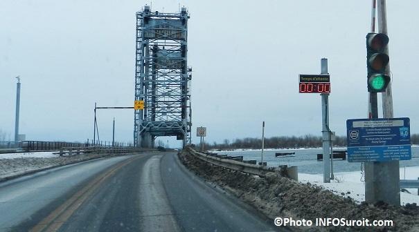 Pont-Larocque-pont-levis-hiver-entre-Valleyfield-Saint-Stanislas-Photo-INFOSuroit_com