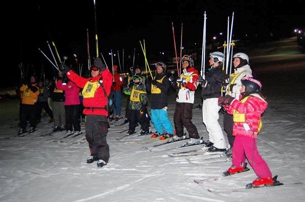 Skiez-pour-la-vie-2014-Societe-canadienne-du-cancer-skieurs-photo-courtoisie-publiee-par-INFOSuroit_com