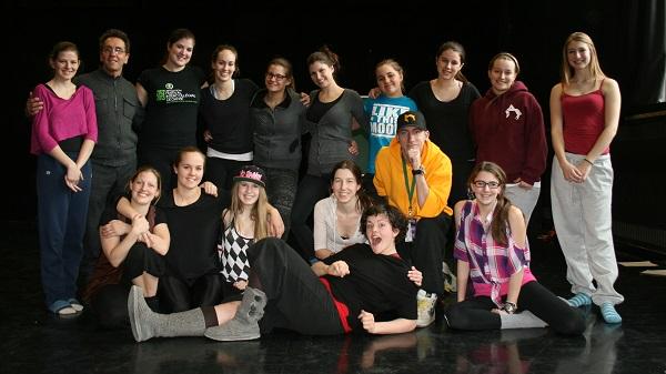 Troupe-de-danse-College-de-Valleyfield-artistes-et-Emilie_Poirier-photo-courtoisie-publiee-par-INFOSuroit_com