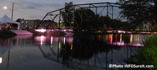 Vieux-canal-animation-illumination-pont-Jean-DeLaLande-a-Valleyfield-Photo-INFOSuroit_com