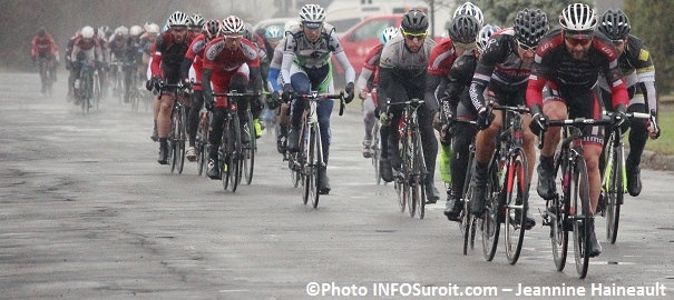 Criterium-Beauharnois-Velo-cyclisme-course-categorie-maitres-Photo-INFOSuroit-Jeannine_Haineault