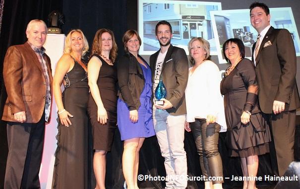 Entreprise-de-l-annee-et-Prix-du-Jury-Agence-Zel-Photo-INFOSuroit_com-Jeannine_Haineault