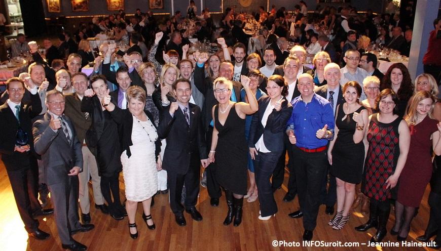 Gala-gens-d-affaires-2014-Tous-les-laureats-Photo-INFOSuroit_com-Jeannine-Haineault