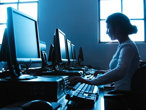 Internet-ordinateur-web-ecran-image-CPA-publiee-par-INFOSuroit_com