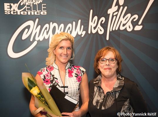 Concours-regional-Chapeau-les-filles-Monteregie-Anick_Laplante-et-Jacinthe_Cote-photo-Yannick_Retif-publiee-par-INFOSuroit_com