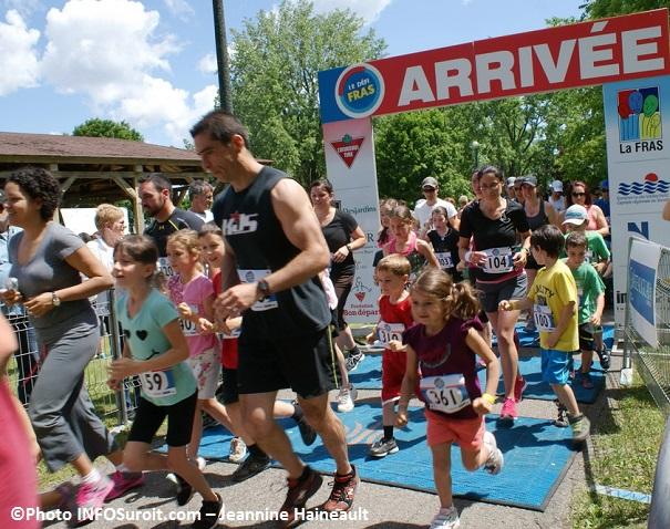 Defi-FRAS-2013-des-participants-course-1km-Photo-INFOSuroit_com-Jeannine_Haineault