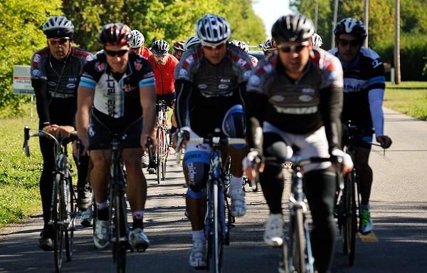 Defi-velo-Fondation-Hopital-du-Suroit-cyclistes-photo-courtoisie-publiee-par-INFOSuroit_com
