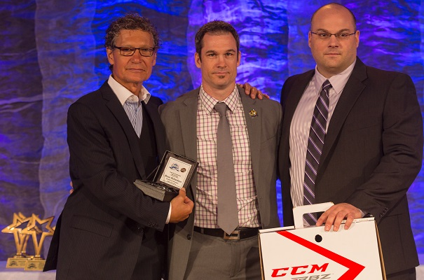 Hockey-Midget-AAA-Gala-2014-Entraineur-de-l-annee-Bruce_Richardson-Chateauguay-Photo-courtoisie