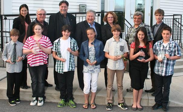 MRC-Beauharnois-Salaberry-les-sept-jeunes-maires-d-un-jour-et-les-maires-de leur-municipalite-Photo-courtoisie