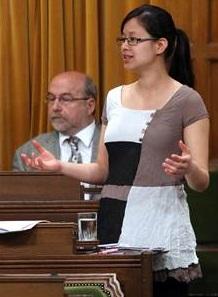 Anne_Quach-a-la Chambre-des-Communes-a-Ottawa-Photo-courtoisie