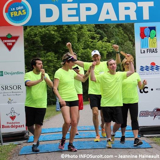 Defi-FRAS-2014-defi-corporatif-arrivee-equipe-FRAS-Olivier_Duhamel-Photo-INFOSuroit_com-Jeannine_Haineault