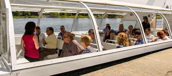 Navette-fluviale-Navark-bateau-lac-Saint_Francois-photo-courtoisie-publiee-par-INFOSuroit_com