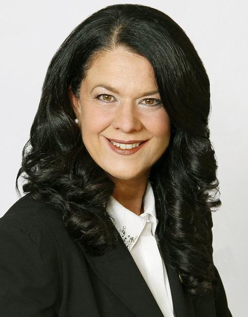 Lucie_F_Roussel-mairesse-La_Prairie-photo-courtoisie-publiee-par-INFOSuroit_com