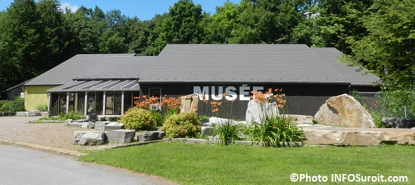 Musee-quebecois-d-archeologie-a-la-Pointe-du-Buisson-Beauharnois-2014-Photo-INFOSuroit_com