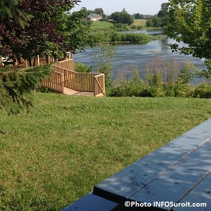 Parc-Gaetan_Montpetit-a-Sainte-Martine-belvedere-et-riviere-Photo-INFOSuroit_com
