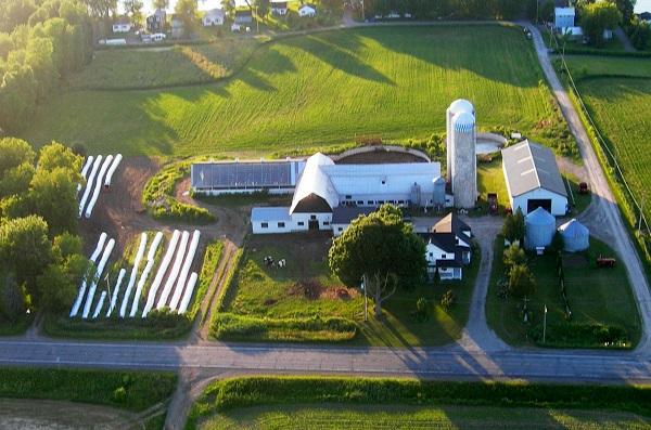 Photo-aerienne-de-la-ferme-Urdani-prise-en-2008-photo-courtoisie-publiee-par-INFOSuroit_com