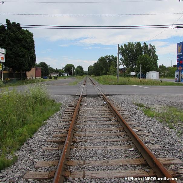 vieux-chemin-de-fer-pres-boulevard-Sainte-Marie-a-Valleyfield-Photo-INFOSuroit_com