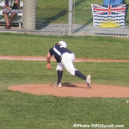 Baseball-lanceur-numero-15-Colombie-Britannique-a-Valleyfield-Championnat-canadien-Photo-INFOSuroit_com