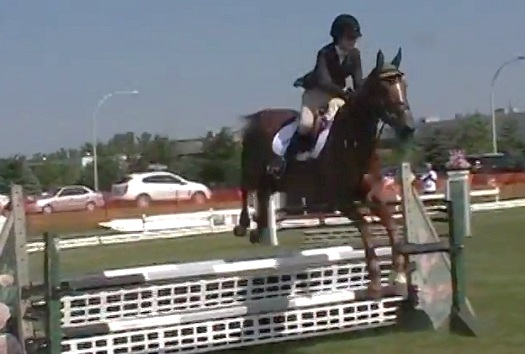 Jeux-du-Quebec-Sports-equestres-Chloe_Johnson-Photo-courtoisie-YouTube-FEQ