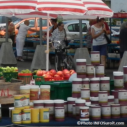 Marche-public-regional-de-Valleyfield-epices-pommes-fruits-et-legumes-Photo-INFOSuroit_com