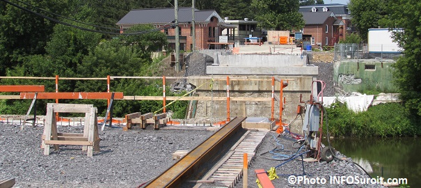Pont-en-construction-au-centre-ville-Ormstown-Photo-INFOSuroit_com