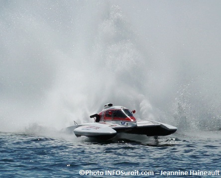 Regates-Valleyfield-course-hydroplanes-Hydro-350-H16-Samuel_Page-Morin-Photo-INFOSuroit-Jeannine_Haineault