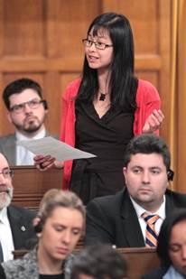Anne Quach à la Chambre des communes Photo courtoisie