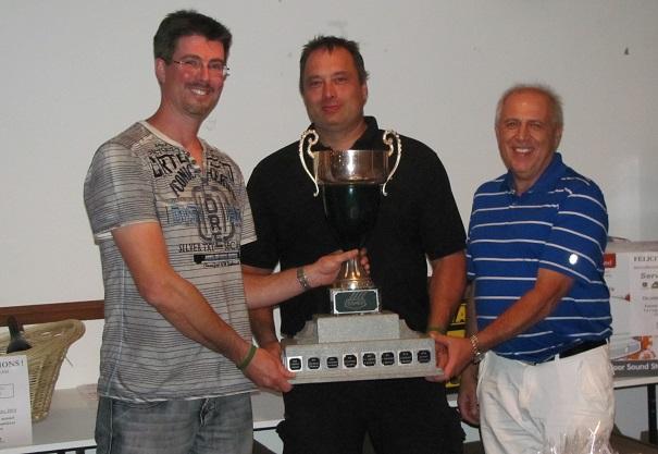 Golf Coop 2014 Sylvain_Brault de la COOP Stephane_Leduc gagnant et Pierre_Bergevin de Desjardins Photo courtoisie