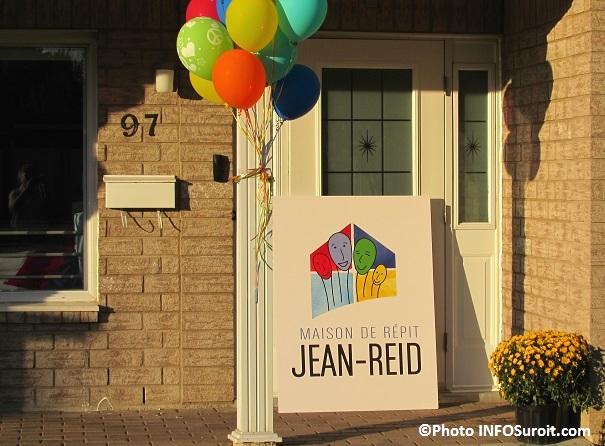 Maison de repit Jean-Reid rue Albert-Wallot a Valleyfield Logo sur enseigne Photo INFOSuroit_com