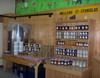 Miellerie-St-Stanislas-a-Saint-Stanislas-de-Kostka-Photo-courtoisie