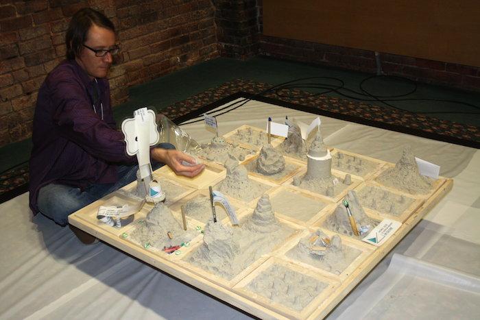 Culture artiste FrancisCoupal et oeuvre des participants journee consultation Photo CRE VHSL
