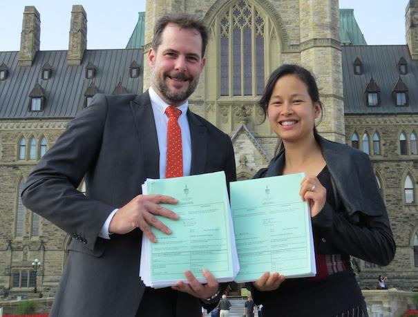 Dossier de Postes Canada AlexandreBoulerice et AnneQuach du NPD Photo courtoisie